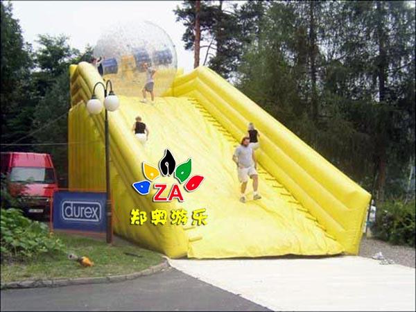 草地滚动球移动水上乐园玩具